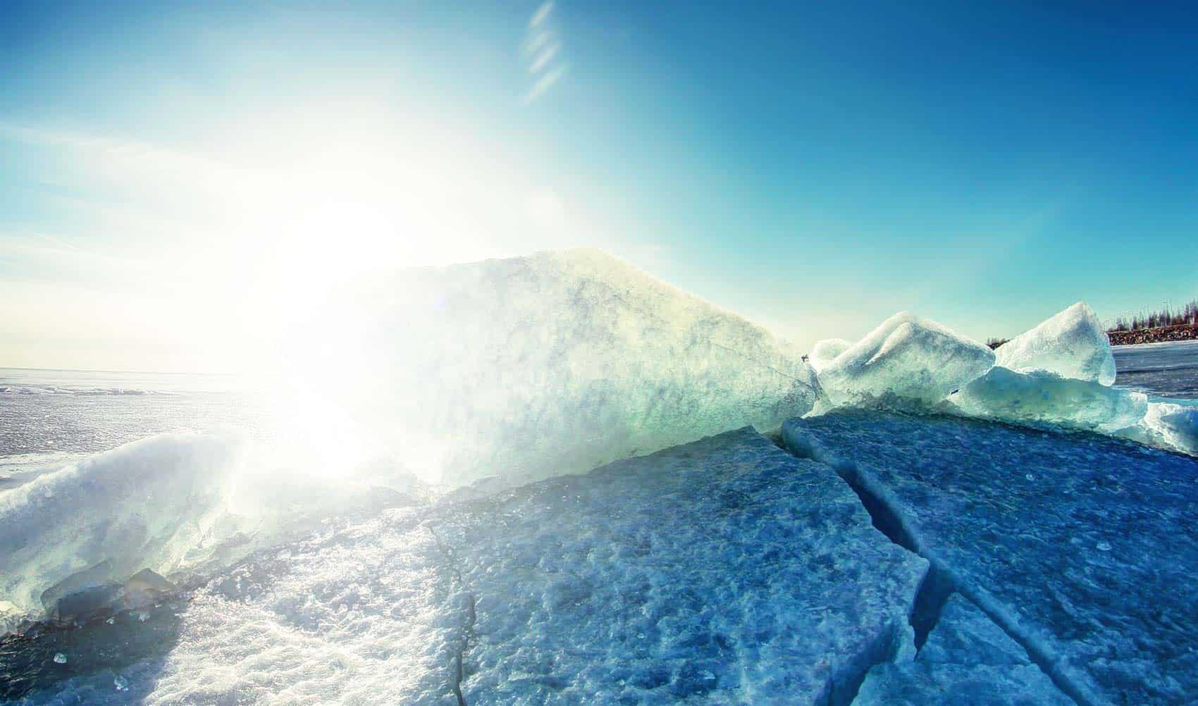 Ice smashing together